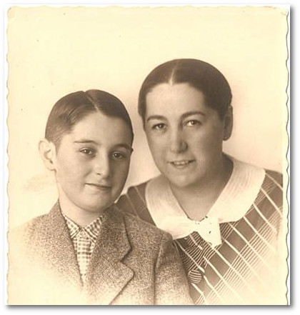 Hermann und Mutter Frieda Neudorf, um 1933